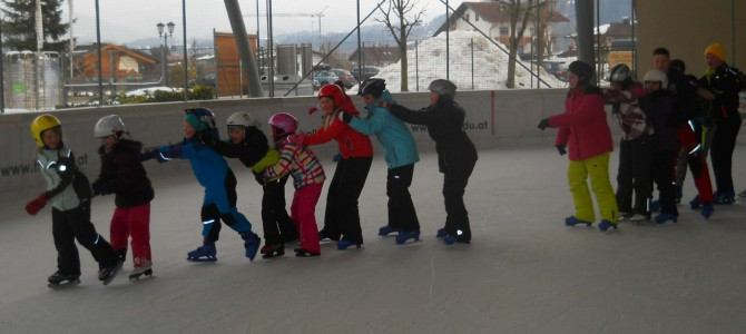 Eislaufen im Hallo Du