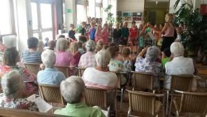20150706-Singen mit Senioren-5.jpg
