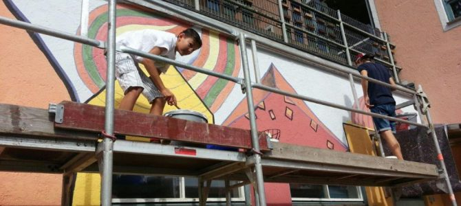Malerarbeiten am Pausenhof