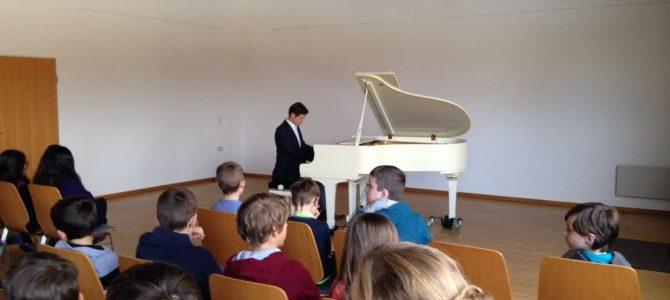 Klavierkonzert mit C. Deklara