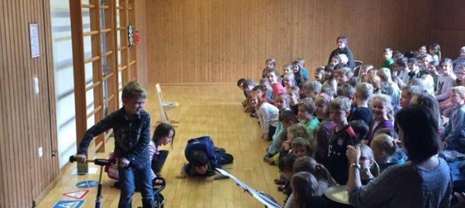 Schulversammlung zur Schulwegsicherheit